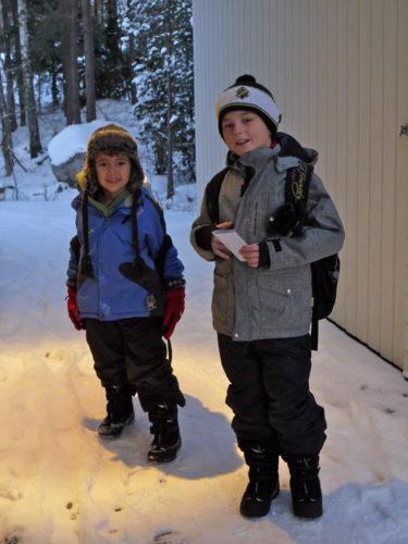 Barn verkar intekänna kylan på samma sätt. I alla fall inte William och Mio som inte alls tyckte det var särskilt kallt.