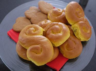 Köpte hem lussebullar från bageriet som jag bjöd mina gäster på. Ingen hade nog gått på att jag bakat dem så jag var ärlig :-)