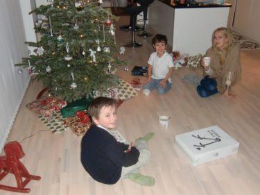 Väl hemma fortsatte vi vår julafton med Peter.
