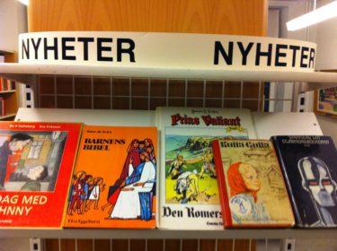 När jag hämtade pojkarna på skolan idag så var de på biblioteket. tycket det var så gulligt med deras bok-nyheter! Var Kulla-Gulla ens en nyhet när jag var barn? :-)