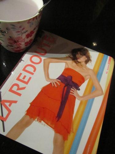 Nu ska jag dricka lite mer te och bläddra i de nya post-order katalogerna från H&M och La Redoute. det kommer bli många kryss och öron, men jag ska inte beställa bara behandla mitt shoppingsug :-)