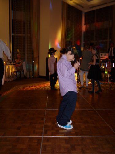 Mio var kung på dansgolvet. Han körde sina Michael Jackson-moves.