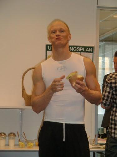 "Tobias ""Hulken"" Karlsson, även kallad Karues Baktus."