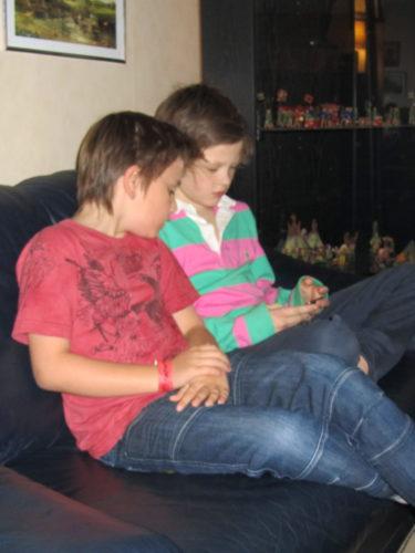 William och Lance övade istället på sin socialaförmåga i form av att inte släppa blicken från Lance iPod.
