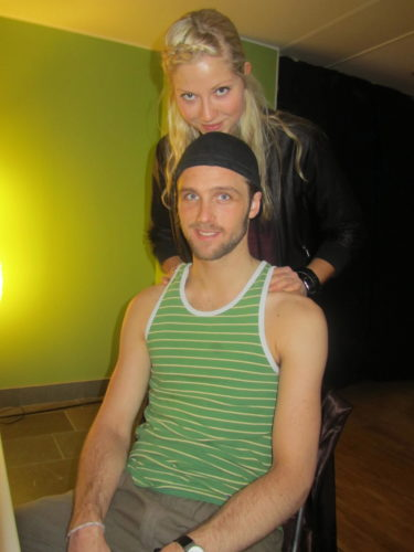 Sigrid, som dansar med Andreas Weise, gav Calle en behövlig massage.