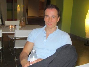 Kristijan, som dansar med underbara Jessica Andersson, vilade sina Tango-ben.