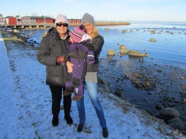 marianne, Livis och jag njöt av det härliga vädret.