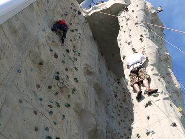 Mini-Moi (till vänster) var helt orädd och klarade väggar som de vuxna inte ens vågade försöka på. Häftigt!