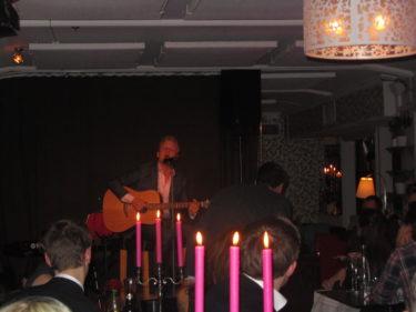 Även Andreas Weise sjöng och spelade för oss. Han kan verkligen sjunga!