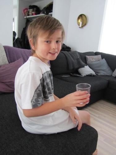William är hemma från skolan idag så jag har varit och handlat god mat och hyrt film till honom. Nu kan han ligga vila och kurera sig hela dagen.