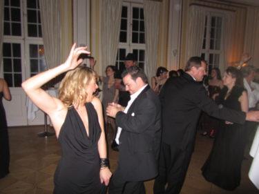 Sedan blev det dans.