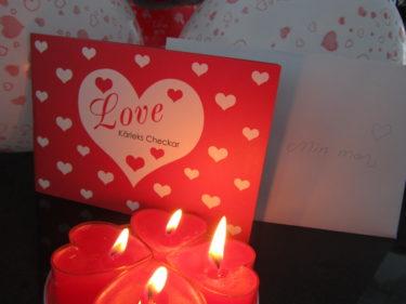 ...Kärleks Checkar och kärleksbrev.