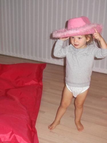 Igårkväll gjorde Livis suíg redo för schalgern och andra chansen med min glittriga scklager hatt.