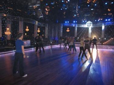 Dansarna repade öppningsnummer.