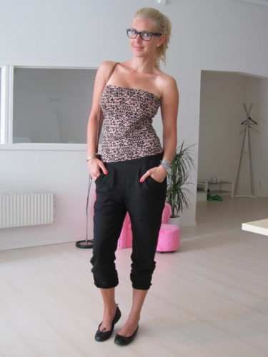 Dagens outfit är en ny favorit. Köpte linnet och harembyxorna på H&M igår för en av mina presentcheckar.