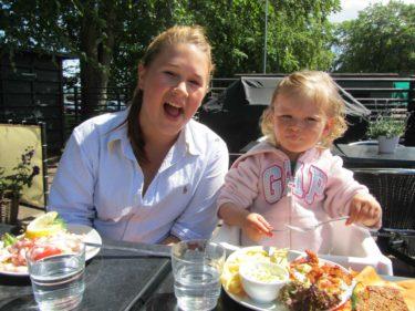 Vi hann med en lunch i solen nere i hamnen i Båstad med Amanda, Pernilla, Marianne och Urban.