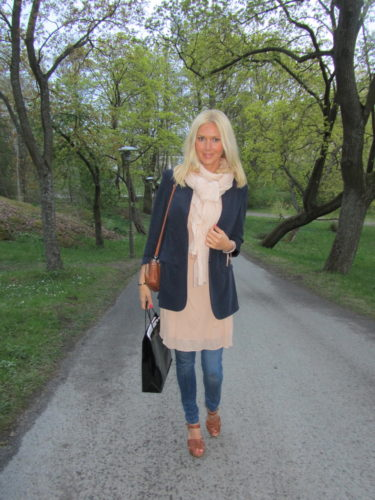 Jeans Gina Tricot, klänning/tunika Filippa K, kavaj Filippa K.
