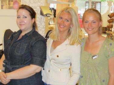 Fick jobba med fyra trevliga och goa tjejer. Här är jag med Kajsa och Josefin.