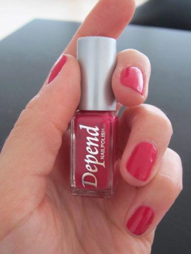 Naglarna är redan målade i en härlig sommarrosa färg från Depend (nr 167).