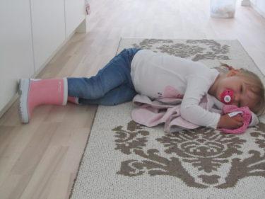 """Imorse väckte Liv mig med orden """"Mamma, jag är lite trött"""". Hon pratar hela meningar och hela tiden. Jag vaknade i alla fall med ett leende."""