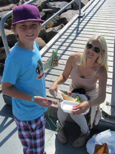 Räkskalet fick bli bete till krabbfisket.