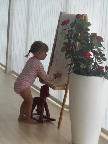 Liv började dagen med att rita.