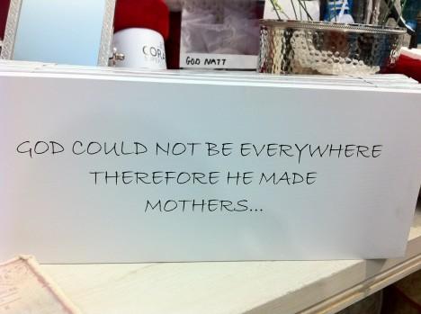 Hittade den här tavlan på Drömhuset. En hyllning till alla mammor ♥