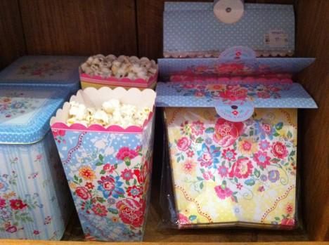 Jag som älskar popcorn ångara att jag inte köpte de här söta popcorn lådorna från Green Gate.