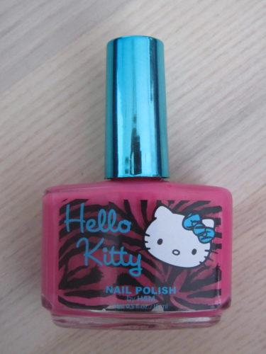 Ett eget nagellack. Mio och jag kommer nog låna det.