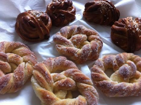 Socker och kanelbullar från Tösse Bageri. Oemotståndligt goda!