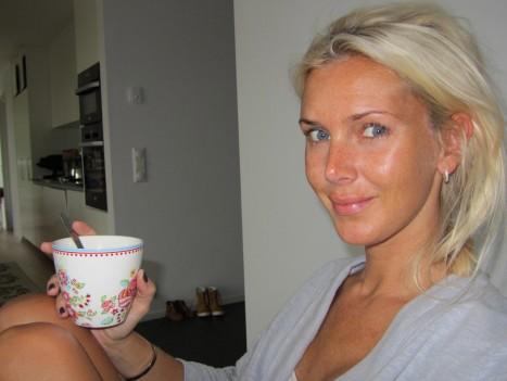 Fick en liten stund för mig själv nu på morgonen. Drack kaffe...