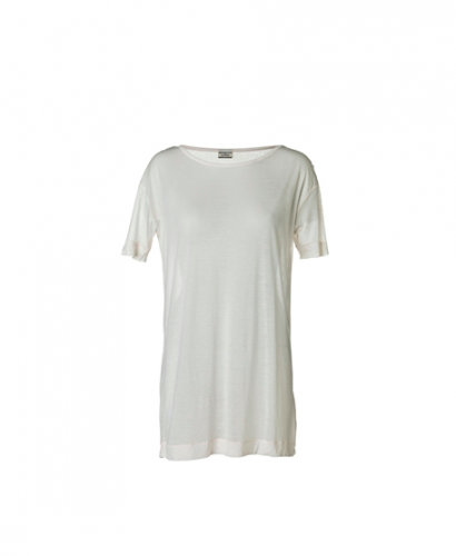 En slapp t-shirt i finare material från Malene Birger.