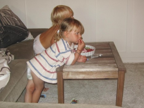 Charlie och Liv åt godis och tittad på Pippi Långstrump.